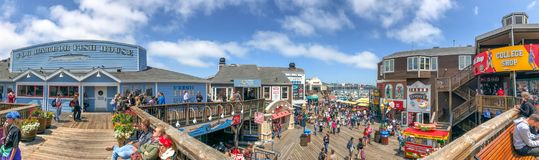 Free SAN FRANCISCO - AUGUST 7, 2017: Tourists In Fishermans Wharf Are Royalty Free Stock Images - 109842559