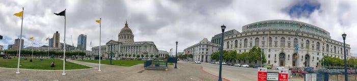 SAN FRANCISCO - AUGUSTI 5, 2017: San Francisco City Hall panorami arkivbild