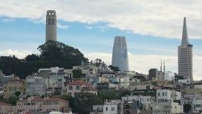 San Francisco avec des skyscapers du centre à l'arrière-plan banque de vidéos