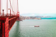 San Francisco Bay e golden gate bridge famoso fotografia de stock royalty free