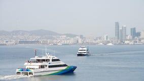 San Francisco Bay Ferry skyttlar SKÄLLER BRIS- och ENCINAL-bortgång I arkivbild