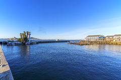 San Francisco Bay, Kai, Jachthafen u. Alcatraz lizenzfreies stockbild