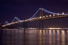 San- Francisco Baybrücke nachts Lizenzfreie Stockbilder