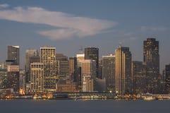 San Francisco céntrico en la luz 1 de la madrugada foto de archivo