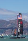 SAN FRANCISCO, CA - 26. AUGUST: Amerikanisches Team in der Bucht von San F Stockfotografie