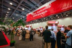 SAN FRANCISCO, CA, de V.S. - OCT 2, 2012 - Oracle-toepassingen demoground cabine bij tentoonstellingszaal van Oracle OpenWorld royalty-vrije stock foto