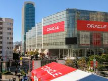 Attendees of Oracle Open World conference go to  Moscone Center. SAN FRANCISCO, CA, USA - NOV 11, 2007: Attendees of Oracle Open World conference go to  Moscone Royalty Free Stock Photo