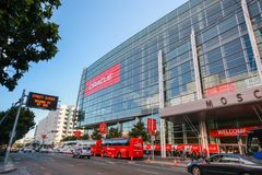 Attendees of Oracle OpenWorld conference go to Moscone Center West. SAN FRANCISCO, CA, USA - SEPT 30, 2012: Attendees of Oracle Open World conference go to Royalty Free Stock Image