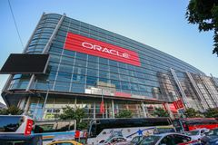 Attendees of Oracle OpenWorld conference go to Moscone Center West. SAN FRANCISCO, CA, USA - SEPT 30, 2012: Attendees of Oracle OpenWorld conference go to Stock Image