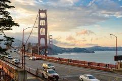 San Francisco, CA - VERS en juillet 2014 - coucher du soleil au-dessus du pont en porte de Golgen à San Francisco, CA, vers en ju image stock