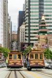 San Francisco, CA - VERS en juillet 2014 - funiculaire sur la rue de San Francisco, vers en juillet 2014 Images stock