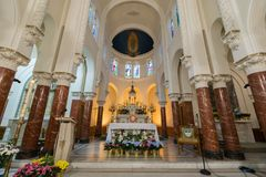 San Francisco, California - 7 aprile 2018: L'altare della chiesa di vittorie del DES di Notre Dame Immagine Stock