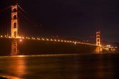 SAN FRANCISCO, CALIFORNIA, ESTADOS UNIDOS - 25 de noviembre de 2018: Puente Golden Gate seg?n lo visto de punto del fuerte pasa p fotografía de archivo