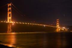 SAN FRANCISCO, CALIFORNIA, ESTADOS UNIDOS - 25 de noviembre de 2018: Puente Golden Gate seg?n lo visto de punto del fuerte pasa p fotos de archivo libres de regalías