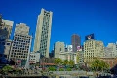 San Francisco, California - 11 febbraio 2017: Bello punto di vista di Dewey Monument in Union Square nel popolare e Fotografie Stock