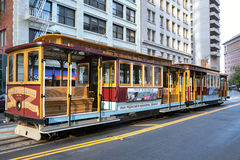 SAN FRANCISCO, CALIFORNIA/USA - 6 AUGUSTUS: Kabelbaan in San-Frank stock afbeelding