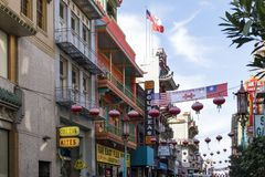 SAN FRANCISCO - CIRCA 2017: Colorful buildings and signs are cro Royalty Free Stock Photos