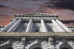 San Francisco City Hall com o céu do por do sol foto de stock royalty free