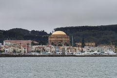 San Francisco con la bóveda del palacio de bellas arte fotografía de archivo
