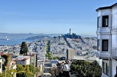 San Francisco dalla via del Lombard Immagini Stock Libere da Diritti