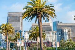 SAN FRANCISCO - 6 DE AGOSTO DE 2017: Horizonte hermoso de la ciudad La ciudad Fotos de archivo libres de regalías
