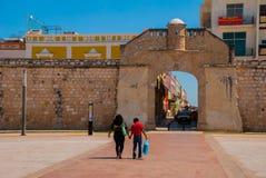 San Francisco de Campeche, Messico: Il portone di mare o il bastione del Puerta Del Mar fotografia stock libera da diritti