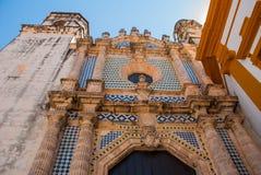 San Francisco de Campeche, Mexico: Sikt av den tidigare Sanen Jose Cathedral Det var den huvudsakliga templet av jesuitkloster, n royaltyfria foton