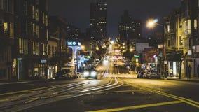 SAN FRANCISCO, de V.S. - September 2018: 4K Timelapse-film videofilm van de scène van de Nachtstraat in van de binnenstad van San stock videobeelden