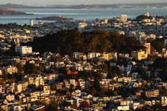 San Francisco de zonsopgang van Stadsreal estate 2019 stock foto