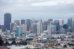 San Francisco del centro dal parco di altezze di Bernal Fotografia Stock Libera da Diritti