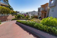San Francisco Etats-Unis - 16 juillet 2017 - rue de Lombard sur le Russe salut photo stock