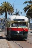 San Francisco - F-Line-Straßen-Autos Stockbild