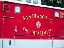 San Francisco Fire Department logo på sida av ambulansen royaltyfri foto