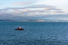 San Francisco Fireboat auf der Bucht Lizenzfreies Stockbild