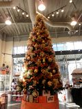 San Francisco Giants Christmas Tree dans le magasin Photos libres de droits