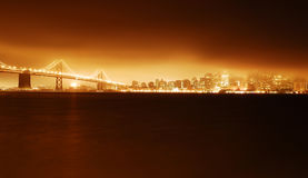San Francisco Golden-Gate Bridge bij Nacht met Firey-Lichten Stock Foto's