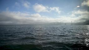 San Francisco Golden Gate Bridge, vista do navio de navigação vídeos de arquivo
