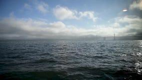 San Francisco Golden Gate Bridge, vue du bateau de navigation banque de vidéos