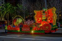 San Francisco, Kalifornien - 11. Februar 2017: Chinesische Feierparade des neuen Jahres im populären und bunten Chinatown Lizenzfreie Stockfotos