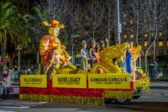 San Francisco Kalifornien - Februari 11, 2017: Kinesisk beröm för det nya året ståtar i den populära och färgrika kineskvarteret Royaltyfria Foton