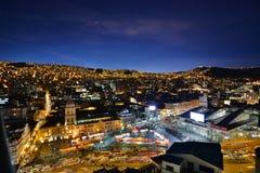 San Francisco-Kirche und Lanza-Markt bis zum Nacht La Paz bolivien Stockbild