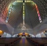 San Francisco, la Californie - 7 avril 2018 : Intérieur de cathédrale de St Mary de l'hypothèse images stock