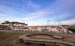 San Francisco Marina Yacht Harbor på solnedgången - San Francisco, Kalifornien, USA Arkivfoto