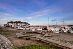 San Francisco Marina Yacht Harbor på solnedgången - San Francisco, Kalifornien, USA Royaltyfri Foto