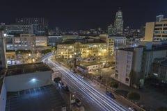 San Francisco Markt-Straßen-im Stadtzentrum gelegene Behördenviertel-Nacht Stockfotografie