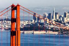 San Francisco med Golden gate bridge Arkivbilder