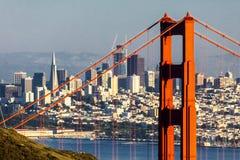 San Francisco mit Golden gate bridge Stockbilder