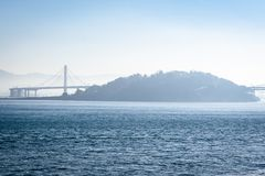 San Francisco Oakland Bay Bridge i Kalifornien, USA royaltyfria bilder