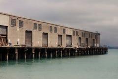 San Francisco Pier met Mening van de Baai Stock Foto's
