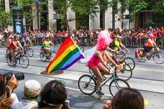 San Francisco Pride Parade - Dykes sur des vélos et des bicyclettes Images stock